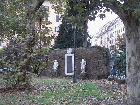 porta magica piazza vittorio roma la misteriosa porta alchemica di piazza vittorio