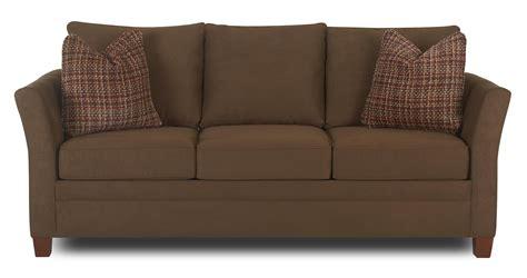 klaussner taylor   sofa  accent pillows dunk