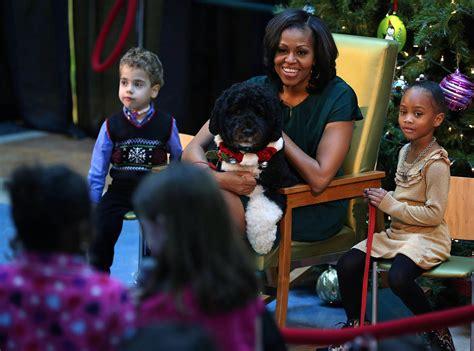 michelle obama children michelle obama photos photos michelle obama reads to