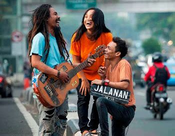 download film indonesia jalanan film musisi jalanan indonesia menang di busan film
