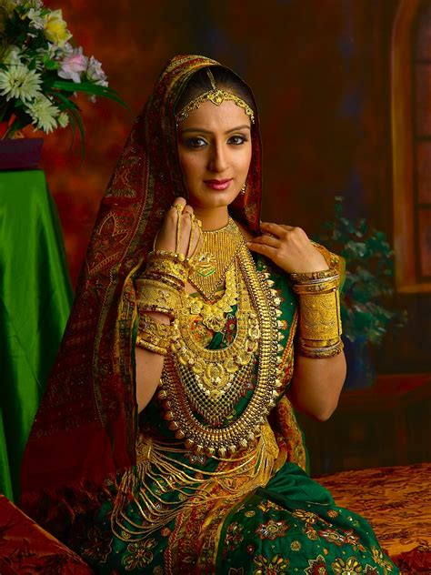 Wedding Album Of Alukkas by Wallpapers Of Jewellery