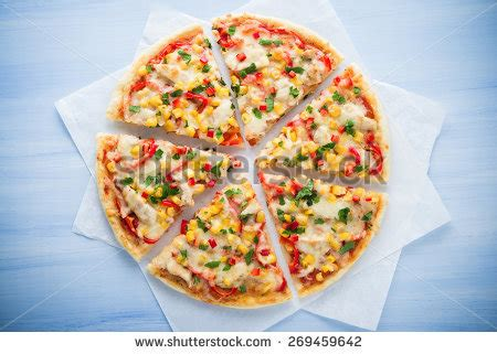 Pizza Medium So Corn Chiken Chesee free colorful sliced pizza with mozzarella cheese chicken