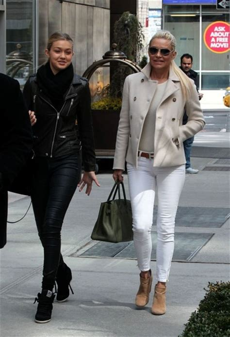 what brand are yolanda foster skinny jeans more pics of yolanda foster skinny jeans 6 of 8