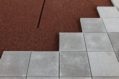 bodenplatten garten verlegen bodenplatten verlegen eine anleitung