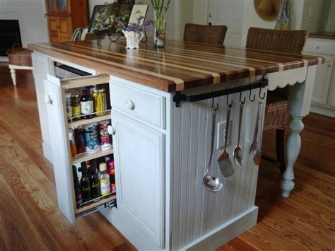 Cottage Kitchen Island | cynthia cranes art and gardening goodness part 3 ranch
