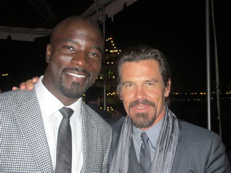 mike colter mib 3 mib3 premiere afterparty mike colter and josh brolin