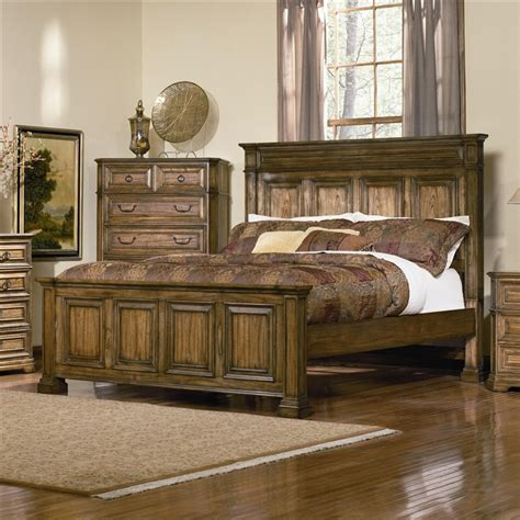 distressed oak bedroom furniture 6 panel bed edgewood bedroom set in distressed warm