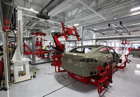 to fremont where tesla will continue to assemble finished vehicles tesla s fremont factory could build as many as 1 000 000