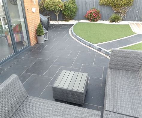 Black Limestone Patio Slabs by 17 Best Ideas About Patio Slabs On Paving