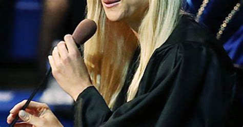 Tiger May Sue Mag For Elin Nordegren Pics by Elin Nordegren Dings Tiger Woods In Rollins College