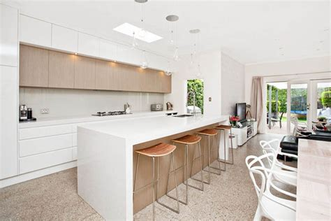 Grand Designs Kitchens 15 Inspirational Caesarstone Kitchens Bathrooms From Our White Collection