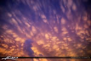 House Colors mammatus clouds sky background with beauitful colors