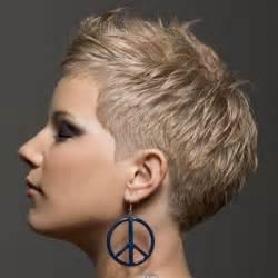 Die Besten 17 Ideen Zu Kurze Blonde Haare Auf Pinterest