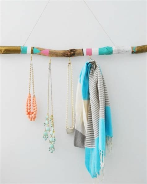 Hanger Diy - 10 diy driftwood wall hangers and holders for various