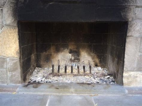 Wood Burning Fireplace Smoke In House by Outdoor Fireplace Is Not Drawing Smoke Doityourself