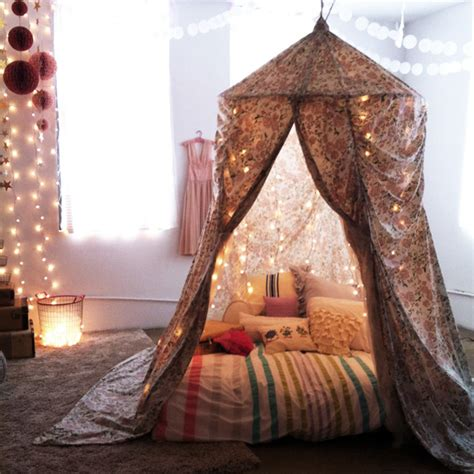 amazing diy tent over the bed this is cool like light gotta do with cama divertida menina tenda mundo ovo