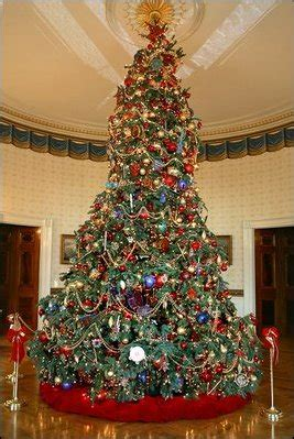 1996 blue room christmas tree white house decorations 2004