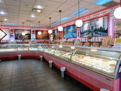 la casa gelato iconic store in an industrial neighborhood picture of