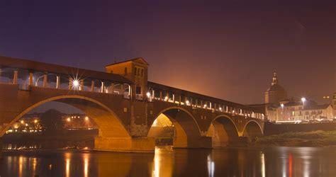 notte pavia ponte coperto pavia di notte di manera fotoarts