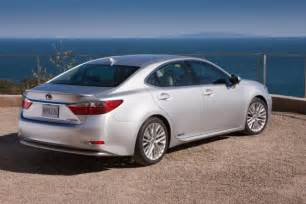 picture other 2013 lexus es300h parked rear jpg