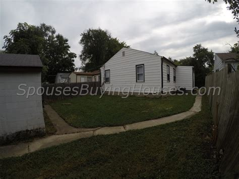 we buy ugly houses we buy ugly houses indianapolis rear yard spouses buying houses