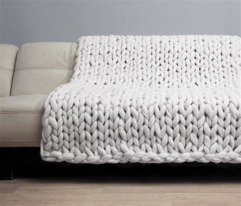how much wool to knit a blanket chunky knit blanket merino wool blanket bulky blanket