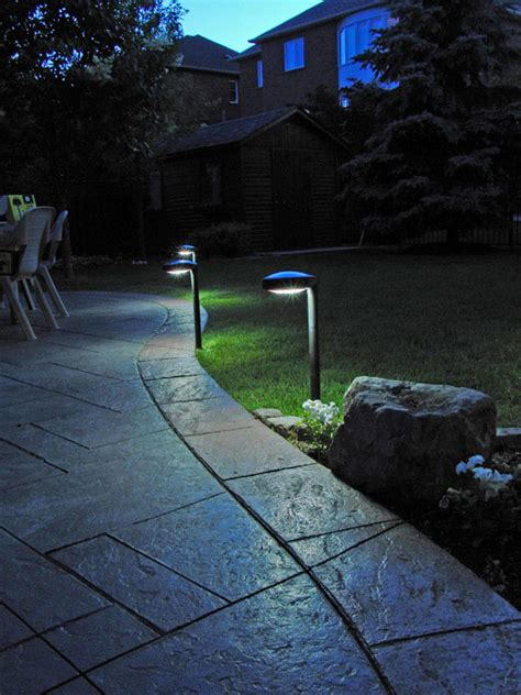 Pathway Solar Light Disc2 By Free Light Natural White Outdoor Solar Path Lights