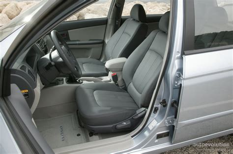 2004 Kia Spectra Interior by Kia Cerato Spectra Sedan Specs 2004 2005 2006 2007