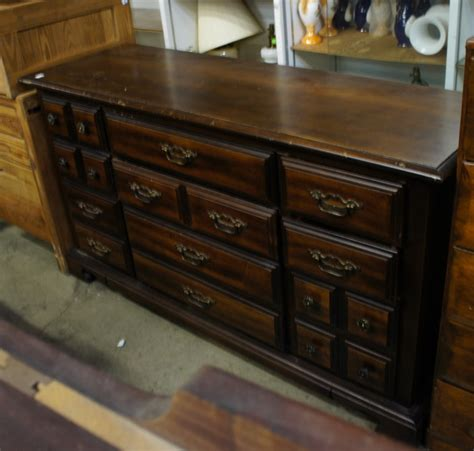 Dresser Ind by 10 Drawer Dresser Bassett Furn Industries