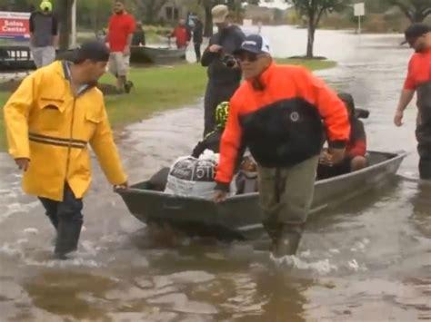 cajun navy hurricane florence cajun navy mobilizes volunteers boats to carolinas ahead