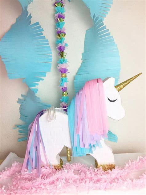 decoracion unicornio cumpleaños m 225 s de 25 ideas incre 237 bles sobre tarjetas de unicornio en