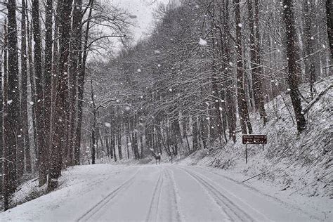 nc history of snowy christmas blue ridge parkway closures driving tips