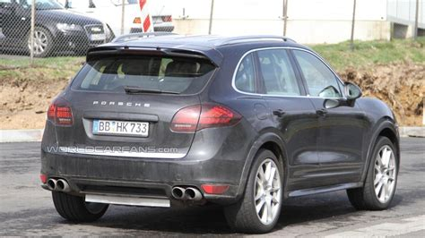 cayenne porsche 2012 2012 porsche cayenne turbo s spied for