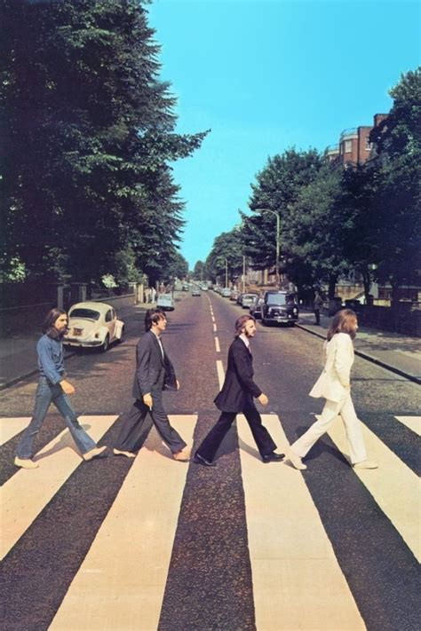 The Beatles Black White Iphone All Hp wallpaper beatles road iphone4s wallpapers road beatles and wallpaper