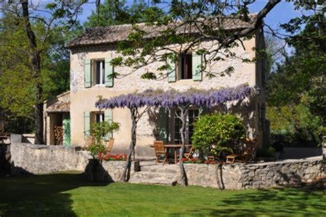 Moulin de la Roque,Noves,près de Saint Remy Location villas