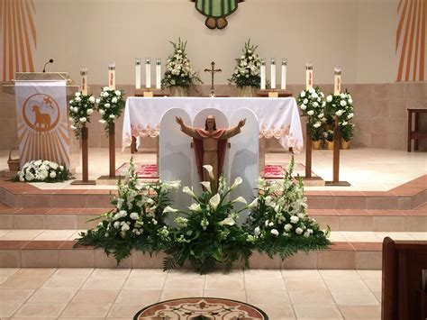 Pin od Aleks B na Altar arrangements   Church flowers