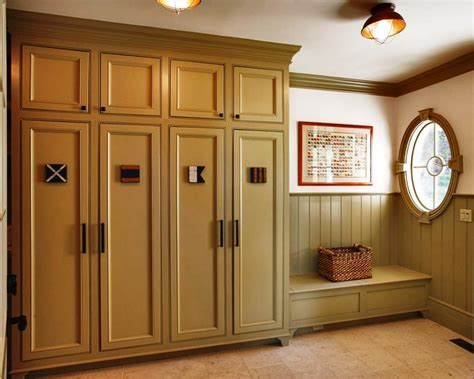 mudroom  transition room   build  house