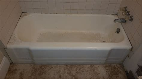 reglazing a bathtub bathtub services in green bay wi and bathroom repair
