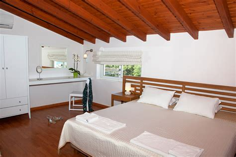 1 bedroom maisonette villa of lofos village in agia marina thehotel gr
