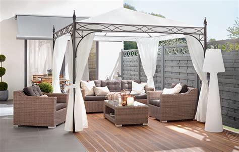 ein pavillon im garten oder auf der terrasse ist eine