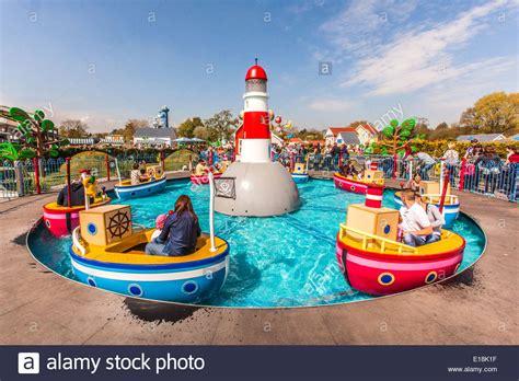 paultons park grandpa pig s boat trip ride peppa pig world paultons