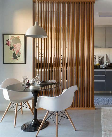 gelungene beispiele die fuer einen raumtrenner sprechen raumteiler living room divider home decor und wood partition