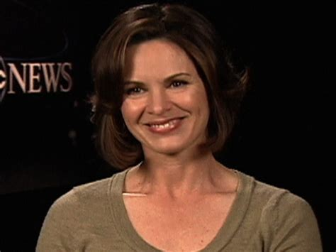 elizabeth vargas new haircut 2015 elizabeth vargas new haircut 2015 abc news elizabeth