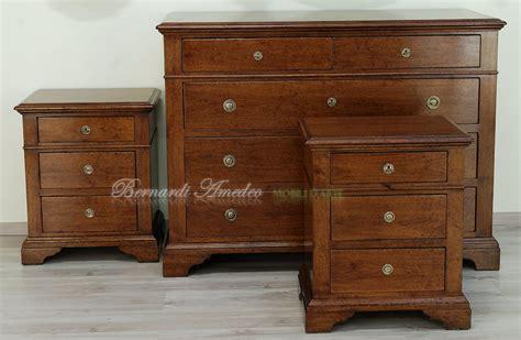 comodini classici in legno cassettoni in legno massello di noce 5 como e comodini