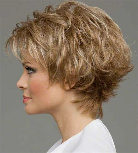 pictures women s hairstyles with layers and short top layer very short layered honey blonde hair
