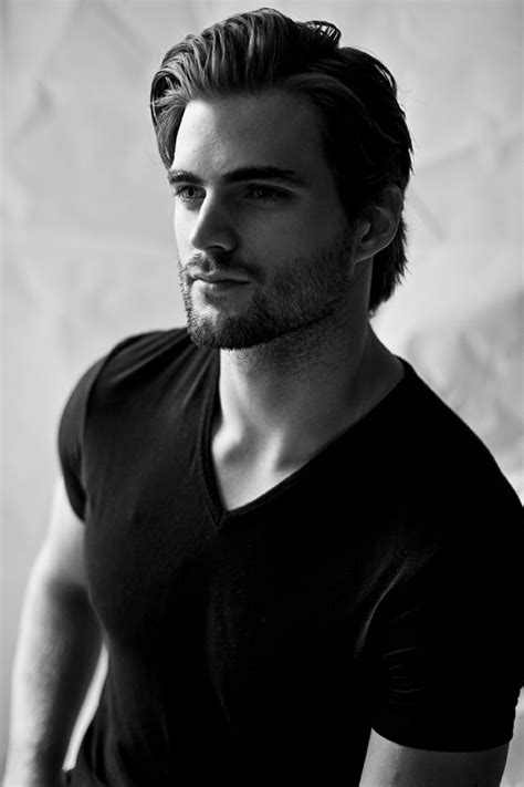hairstyle of henrycevil matt bomer what a great haircut style celebrities