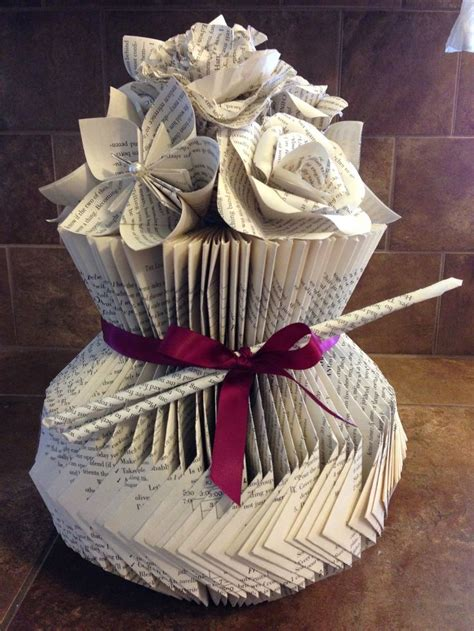 Paper Book Crafts - 17 best images about weeded book crafts projects