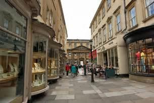 photo pedestrian shopping mall in bath
