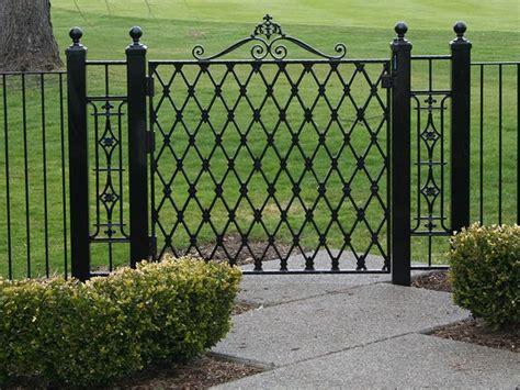 Metal Garden Fencing Ideas Best 25 Wrought Iron Gates Ideas On Pinterest Iron Gates Wrought Iron And Wrought Iron