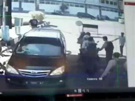 detik surabaya video detik detik serangan bom di polrestabes surabaya